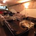 広々としたソファ席。2名~24名様までレイアウト変更可能☆