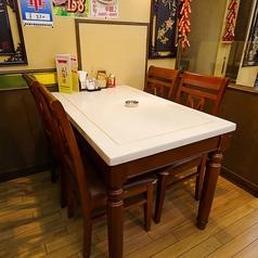 円卓テーブル席