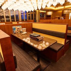 卓上コンロ設置のテーブル席!お気軽に立ち寄れる浜焼き酒場!