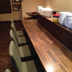 カウンターは高さを変え低い椅子席に致しました、温もり溢れるカウンターでごゆっくり食事をお楽しみください☆