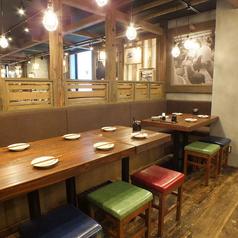 居心地の良い、あたたかみのある店内で自慢の鹿児島料理とお酒をお楽しみください♪