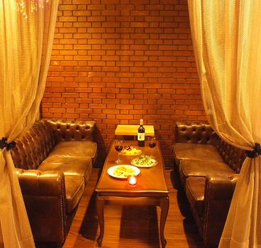 チーズフォンデュとワインのお店 Dining Carinの雰囲気1