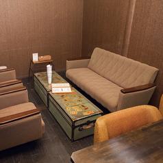 4名様でご利用いただける個室のソファ席です