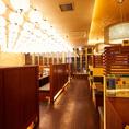 名駅5分。大きな窓があり開放感溢れる店内。