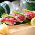 料理メニュー写真こだわり牛神にぎり寿司 一貫