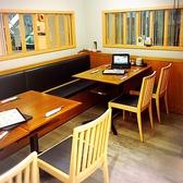テーブル席が同僚との飲みやご家族様でのご利用におすすめです。※禁煙