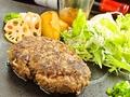 料理メニュー写真びらとり和牛フォアグラハンバーグ
