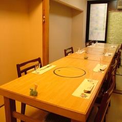 長崎ならではの畳の上に置かれたテーブル席がございます。和と洋の入り混じった長崎の雰囲気をお楽しみください。