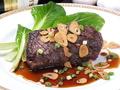料理メニュー写真牛はらみ肉のガーリックステーキ