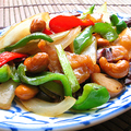 料理メニュー写真鶏肉とカシューナッツ炒め 「ガイ・パット・メット・マムアン」