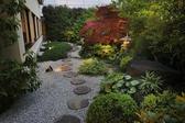 趣のある中庭。大切な方の接待などにご利用ください。