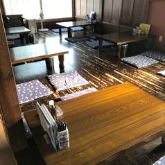 4名テーブルを6卓ご用意しております。