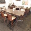 4人掛けテーブル席×2