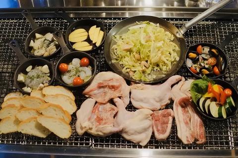 人気のお肉4品と選べるアヒージョを含むみんなでわいわい盛り上がれるキャンプコース