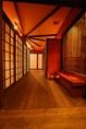 [4]入口を入って左側には、こだわりの完全個室和空間が広がります。