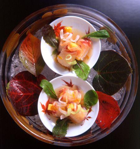 京都洋食 ムッシュいとうは、フレンチを中心とした洋食ランチバイキングが人気のお店。肉や魚などのメイン料理はもちろん、パスタやサラダなど豊富なメニューを提供している。