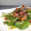 料理メニュー写真ライトスモーク・ドルチェポルコ&ルッコラ、焼きチーズのミルフィーユ