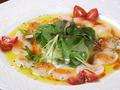 料理メニュー写真ホタテのカルパッチョ アンチョビとにんにくのソース