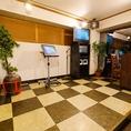 カラオケも完備しております。個室収容人数も65名様まで対応可能です!無料カラオケ・スクリーン等の設備完備♪