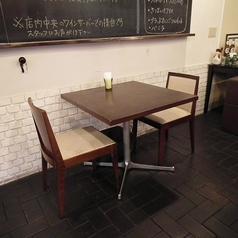 2人掛けテーブル席×2