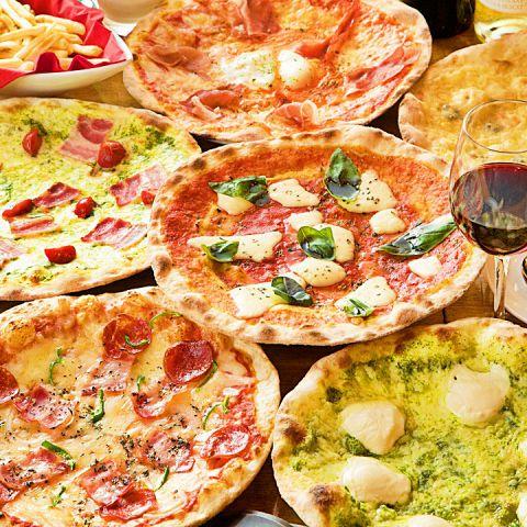 CONAのピザはソースも生地もすべてオリジナル!毎日生地から練り上げ、500℃の窯で焼き上げるから中はもっちり、外はさっくり☆