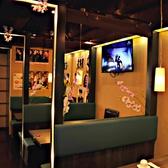 【3F】ボックス席の横にはモニターを2台ご用意!お好きな映像を見ながら楽しむ宴会にも最適で♪