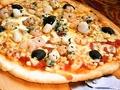 料理メニュー写真シーフードのピザ