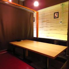 レザークッションの掘り炬燵!!2名様から4名様まで可能なお席です♪つなげれば最大42名様まで個室対応可能☆