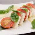 料理メニュー写真チーズ豆腐のカプレーゼ