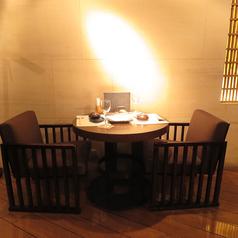デートにオススメ!2名様用のテーブル席のご用意もございます。人気のお席なのでご予約はお早めにお願い致します◎