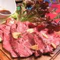 料理メニュー写真特製国産牛のローストビーフ
