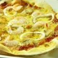 料理メニュー写真シーフードピザ