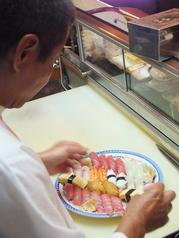 呑み喰い処 宝鮨 名護の雰囲気2