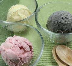 お口直アイス(バニラ、いちご、黒ごま)
