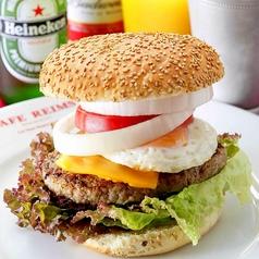 料理メニュー写真Custom Your Own Burger!あなたがカスタマイズするバーガー(ドリンク、フライポテト付)
