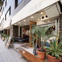 木の温もりとゆったり感で、長居出来る…心地良いカフェ