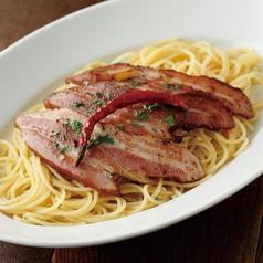 スパゲッティ 岐阜県産唐辛子あじめこしょうのペペロンチーノ みかわ豚のベーコン添え