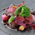 料理メニュー写真蝦夷鹿内モモのロースト 赤ワインソース