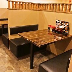 テーブル席は4名まで
