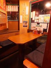 [2階]半個室のテーブル席もございます