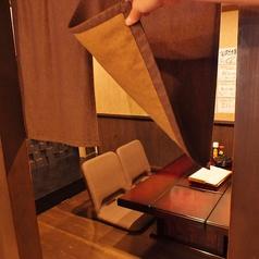 2名から6名までの個室席有り。プライベート宴会、会社宴会などに最適な個室席を4部屋完備