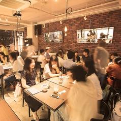 カフェ ザンドゥ Cafe Xando 大名店の雰囲気1