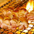 熟成された肉の旨みを閉じ込めて、直火で丁寧に焼き上げたぷりっぷりの焼鳥も自信をもってお出しできる目玉の一品です。網焼きは余分な油が落ちるためヘルシー女性にもオススメの逸品です!