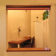 個室風2~3名席個室でありながら、開放感のあるお席です