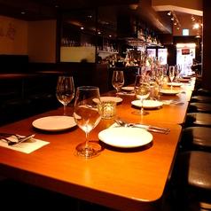 お席は2~16名様までつなげることが可能です。大人数の宴会にも対応可能。