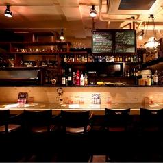 夜カフェにはカウンターが◎