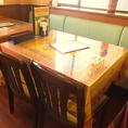 ファミリーやお友達とのお食事に!4名様テーブル。