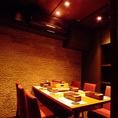 【VIPルーム】5~6名様用の完全個室がございます。合コン、ご接待、ご会食などに大変人気のため、ご希望の方はお早めにお問い合わせください。