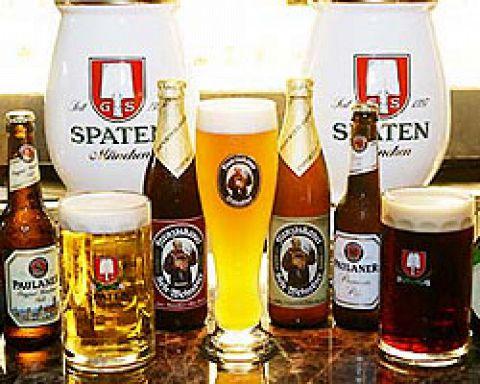 こだわりのドイツビールが全21種類!また、お薦めのアイスバインなどドイツ料理多数☆
