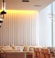 【2ー20名様用夜景の見えるテーブル席】人気No1の窓側席。ご予約はお早めに。